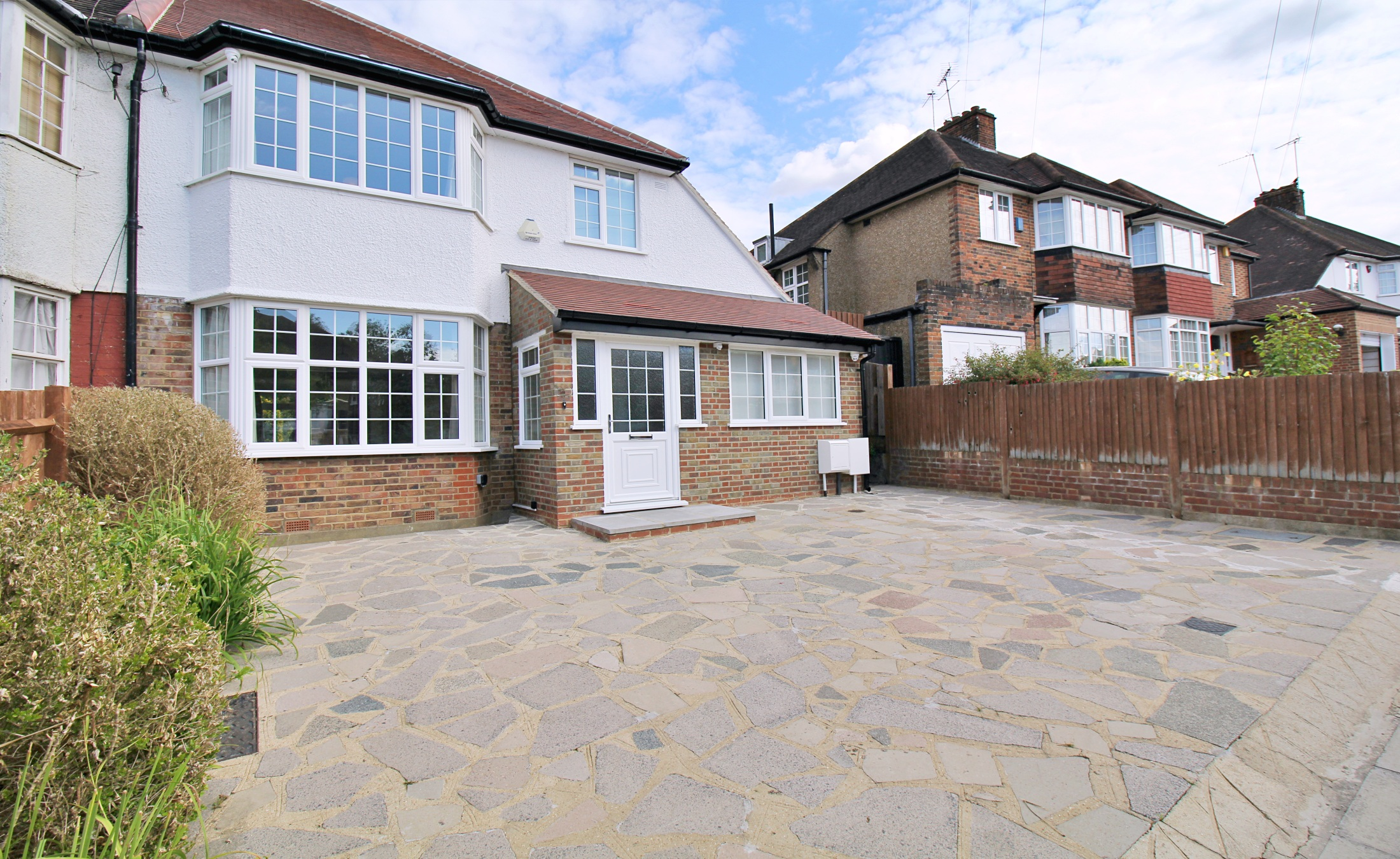 Four Bedroom Semi-Detached – West Finchley N3