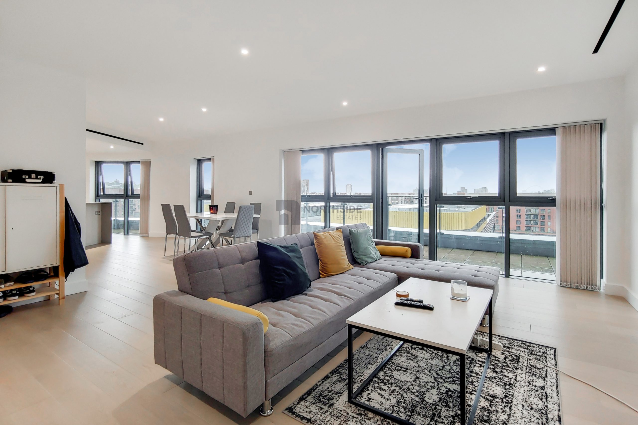 Three Bedroom Penthouse in Beaufort Park NW9